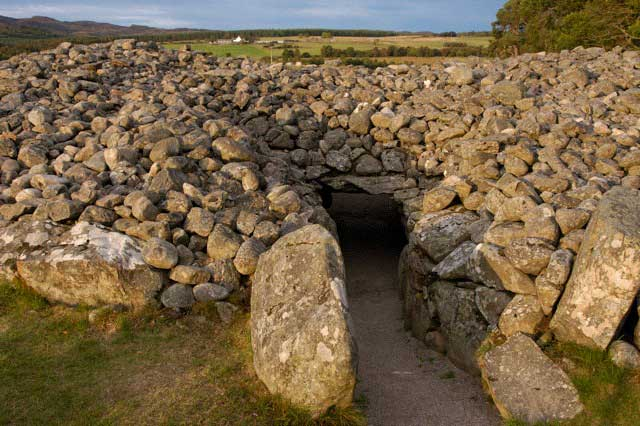 Corrimony chambered cairn entrance passage